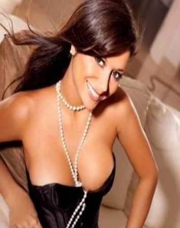 girl escorts Paris Ariel